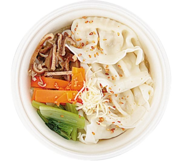 コンビニで買える夜食「6種野菜と餃子のスープ」