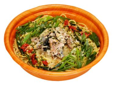 ファミリーマートで買える夜食人気ランキング「三陸産さんまと青ねぎのペペロンチーノ」
