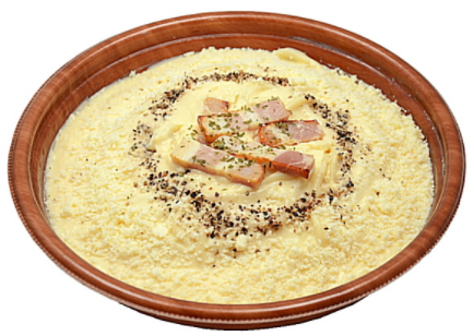 コンビニで買えるパスタ人気ランキング【10選】セブンイレブン チーズとベーコンのカルボナーラ