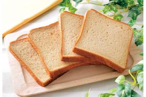 ローソンで買える朝ごはん人気ランキング【ブラン入り食パン 4枚入】