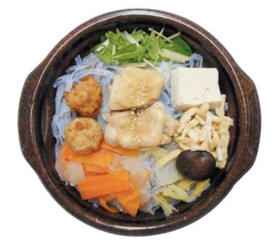 ファミリーマートで買える夜食人気ランキング「軟骨入り鶏つくねのちゃんこ鍋」