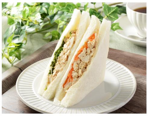 ローソンで買えるサンドイッチ人気ランキング【味噌仕立ての鶏と蓮根のサンド】