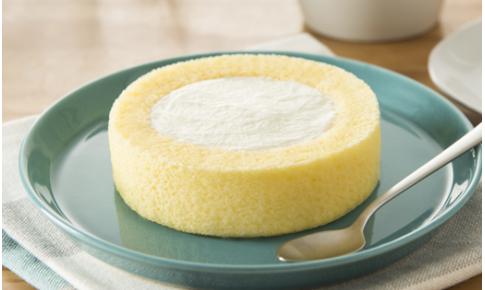 コンビニで買える人気のケーキ「プレミアムロールケーキ」