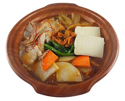 セブンイレブンで買えるランチ人気ランキング【10選】1日に必要とされる野菜1/2が摂れるキムチ鍋