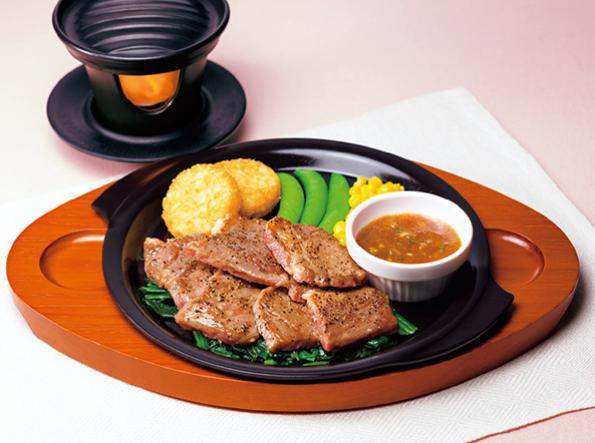 ガストのお食事人気メニューのビーフカットステーキ