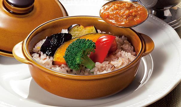 ロイヤルホストの食べ物人気メニューの十八穀米のキーマカレー